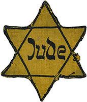 Comment nomme-t-on l'extermination du peuple juif par les nazis pendant la seconde guerre mondiale ?