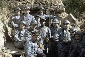 La Première Guerre Mondiale dure de: