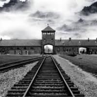 Dès 1933, Hitler a ouvert des camps d'extermination ?
