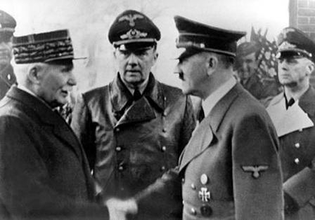Qui, le maréchal PETAIN, rencontrera le 22 octobre 1940 à MONTOIRE ?