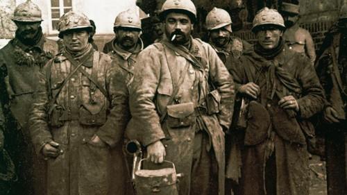 Les soldats français de la 1ère guerre mondiale sont appelés :