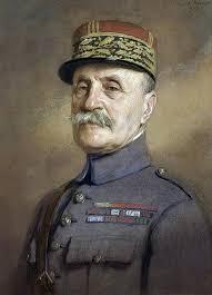 Quel général dirige l'offensive qui refoule les Allemands avant l'arrivée des Américains ?